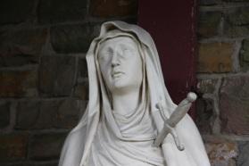 Notre-Dame des Douleurs, dans le jardin