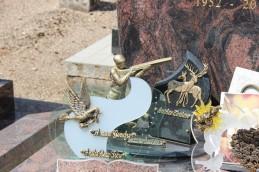 Plaque sur la tombe d'un chasseur !