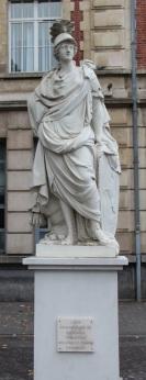 Arras - Statue de l'Europe