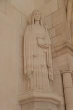 Mémorial de Dormans - Champagne - La reine Elisabeth de Belgique sous les traits de sainte Clotilde