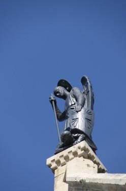 Mémorial de Dormans - Champagne - La statue de l'archange saint Michel