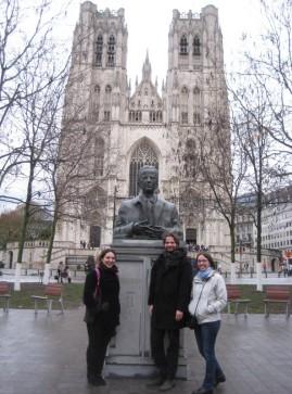 Buste du roi Baudouin devant la Cathédrale de Bruxelles