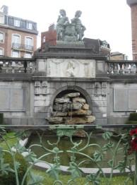 Fontaine aux Bobelins célèbres - Spa
